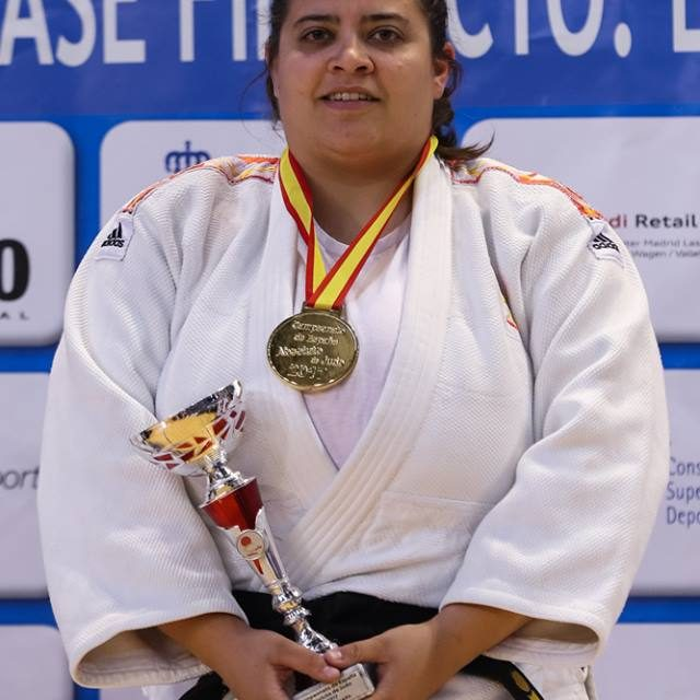 Conoce a la campeona: Evadne Huecas