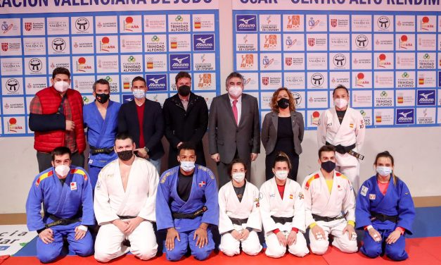 D. José M. Rodríguez, MINISTRO DE CULTURA Y DEPORTE,   visita las instalaciones del CEAR de Judo de Valencia