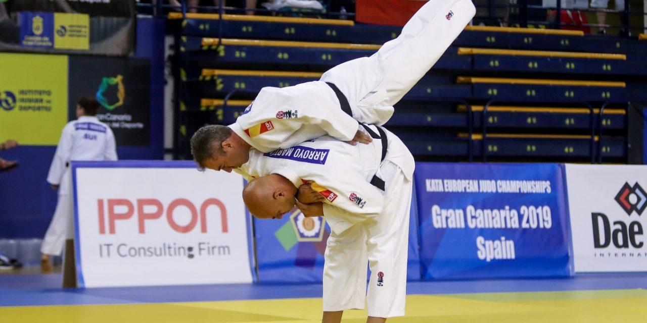 Un examen de cinturón negro de judo en 2021