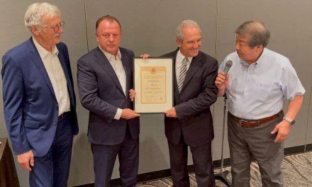 Juan Carlos Barcos recibe el 8º DAN de Judo